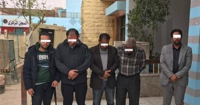 بالاسماء:الرقابة الادارية بالسويس تلقي القبض على خمسة افراد بجمرك السخنة