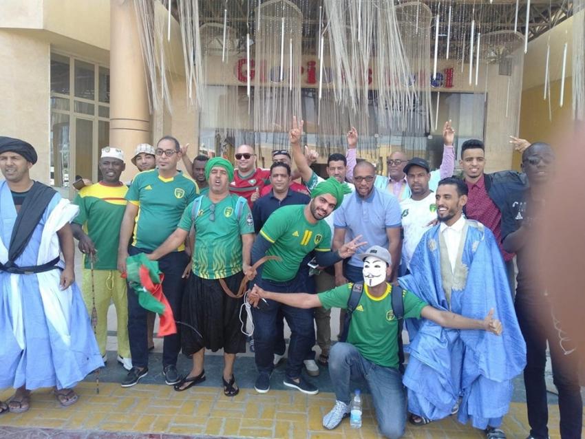 المشجعون الموريتانيون يصلون مبكراً ملعب ستاد السويس لمؤازرة المنتخب الوطني الموريتاني أمام نظيره المالي