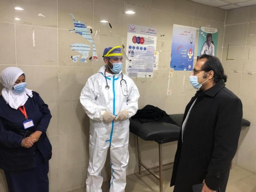 البرعي في جولة مسائية لمتابعه سير العمل وتقديم الخدمه الطبيه للمرضى بمستشفى السويس العام