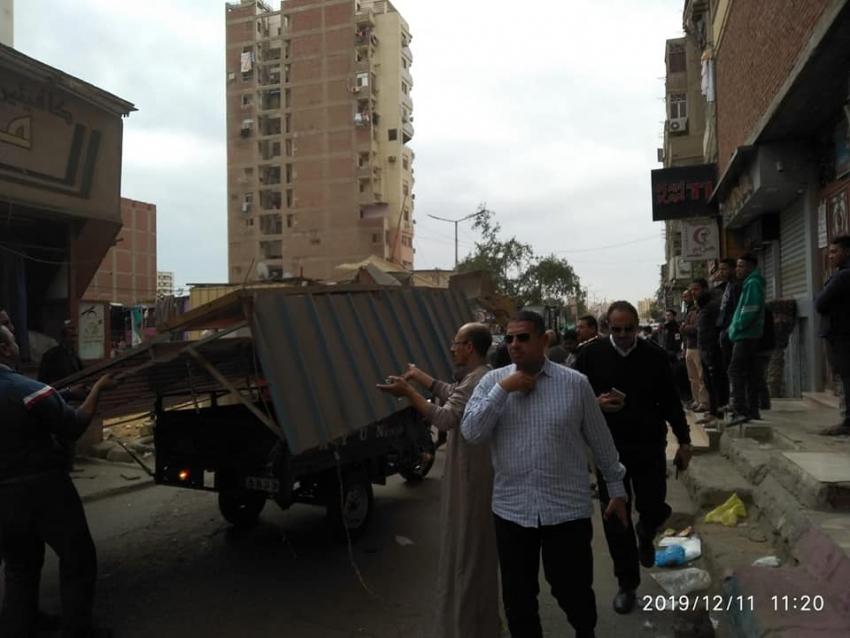 حملات مكبرة بحي الاربعين بالسويس لتنفيذ القانون لاعادة الانضباط للشارع