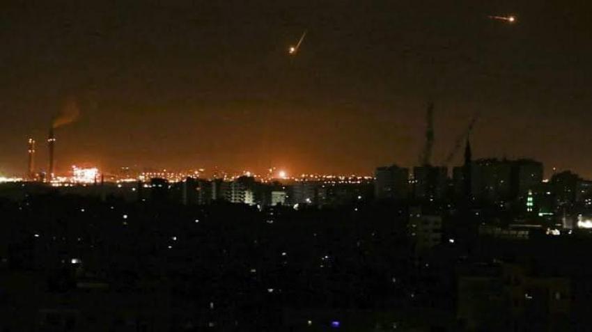 إسرائيل: لا نعرف من أطلق صواريخ غزة..لكن حماس مسؤولة ونجهز للرد الفورى