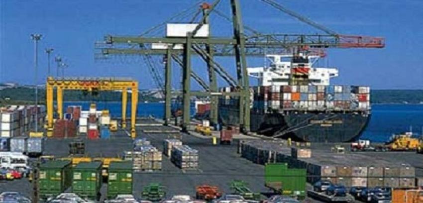 تداول 345 شاحنة وانتظام الحركة الملاحية فى موانى البحر الاحمر