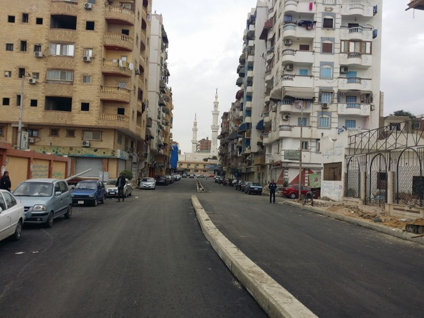 حي السويس ينتهي من أعمال رصف ورفع كفاءة شارع الظواهري بمنطقة الغريب