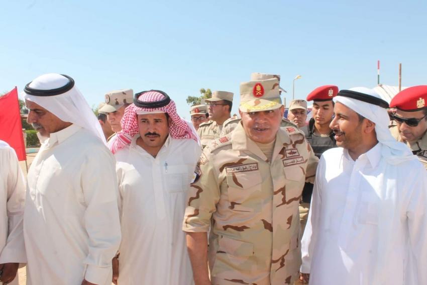 صور..قائد الجيش الثالث  يعقد لقاء مع أهالى جنوب سيناء  تلبية لدعوة كبار شيوخ وعواقب القبائل