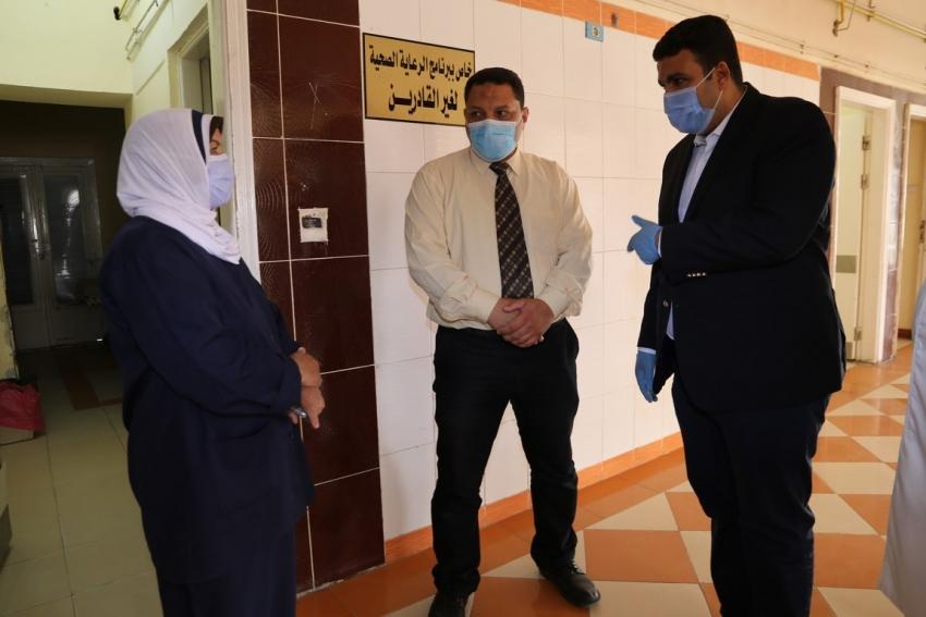 جولة ميدانية لنائب محافظ السويس على المستشفيات للتأكيد علي توافر المستلزمات الطبية وزيادة عدد الاسرة