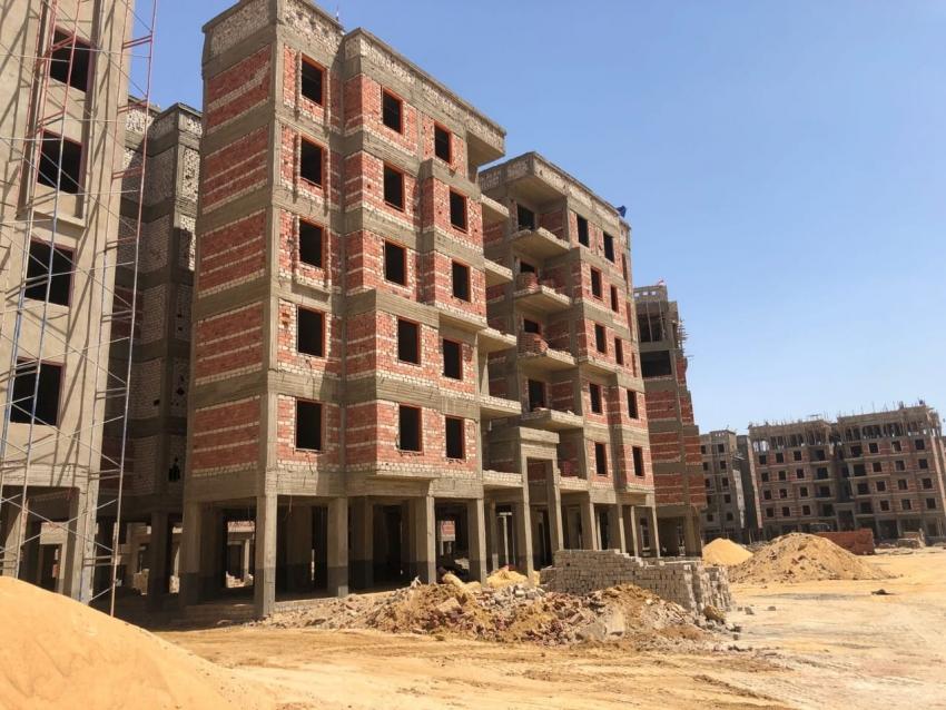 محافظ السويس في لقائه مع رئيس الوزراء: تم تنفيذ ٥٠% من مشروع سكن لكل المصريين