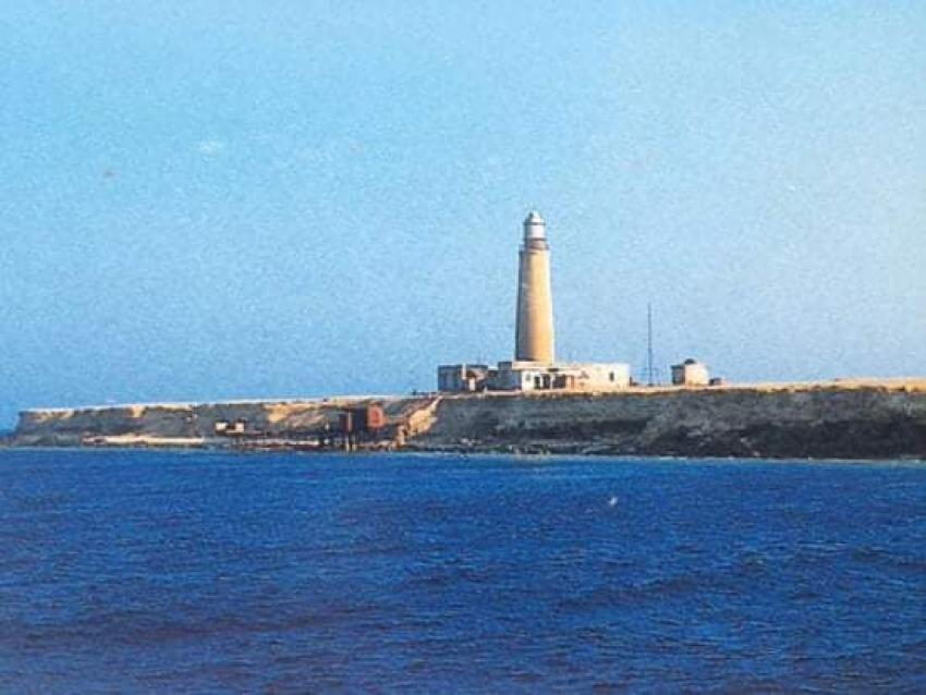 جزيرة الأخوين هي احدى جزر البحر الأحمر