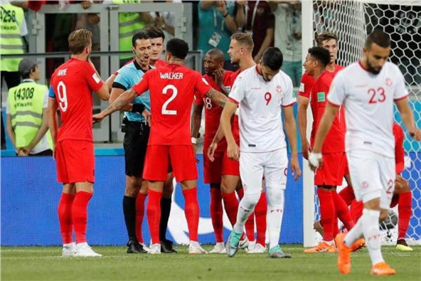 تونس تخسر أمام إنجلترا بهدف قاتل في الوقت بدل الضائع