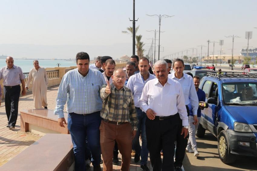 بشري سارة  منطقة خدمات ومحلات علي كورنيش السويس والمشي الجديد