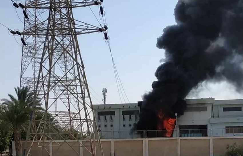 صور.. حريق باحدى وحدات محطة كهرباء قرية عامر بطريق السويس- الاسماعيلية
