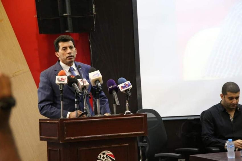وزير الرياضة يشهد حفل تأبين الراحل عزمي مجاهد