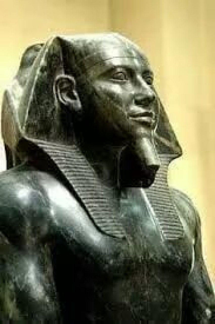 فراعنة علموا العالم  . .  اجمل وادق ى تمثال منحوت في العالم...