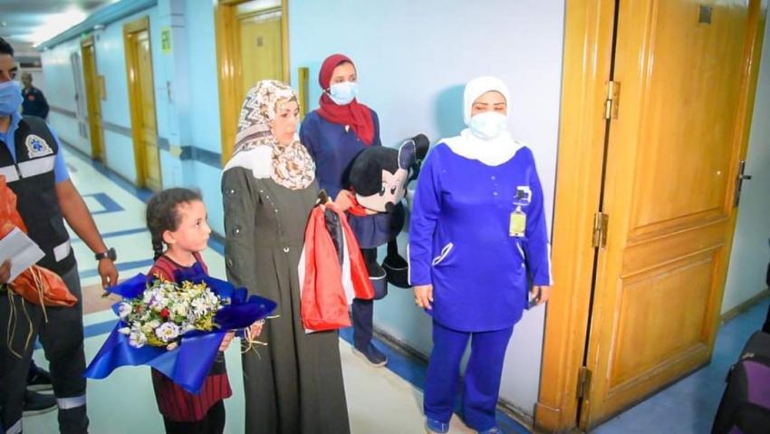 بتوجيهات السيسي: استقبال الطفلة الفلسطينية بمستشفى معهد ناصر وبدء تلقيها العلاج اللازم