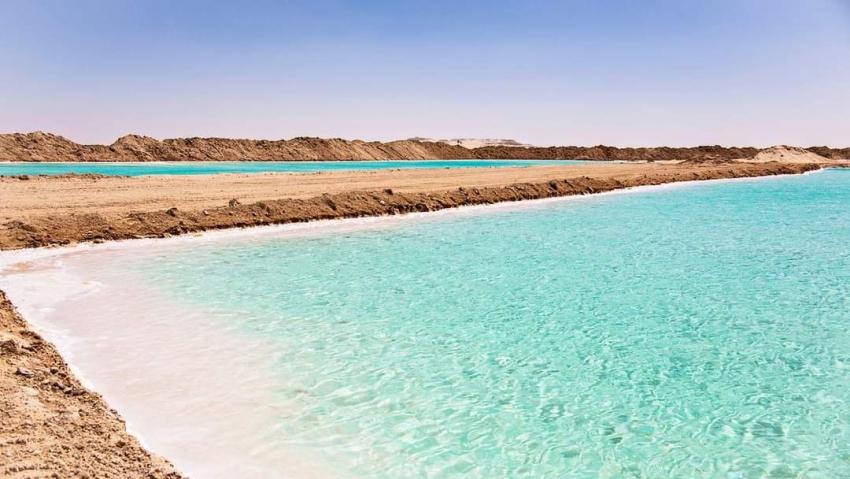 بحيرات الملح بواحة سيوة ... من اجمل الاماكن في مصر