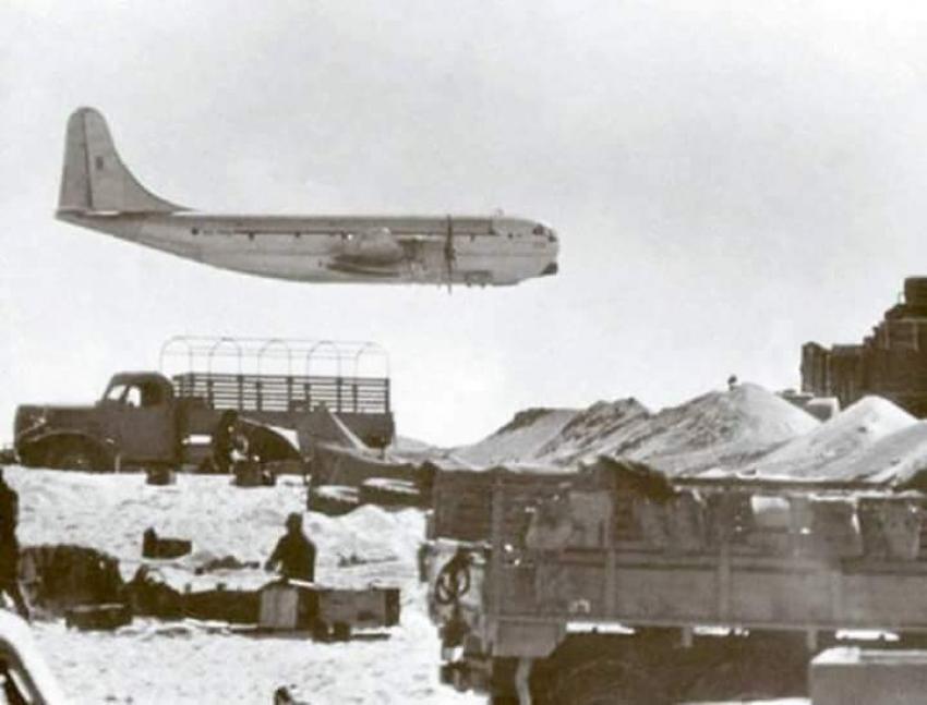 إسقاط طيارة الحرب الالكترونيه الاسرائيليه بمنطقة كبريت اثناء حرب الاستنزاف