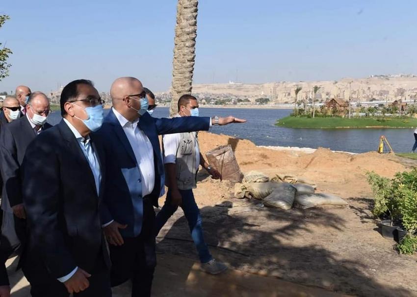 رئيس الوزراء يتفقد أعمال تطوير بحيرة عين الصيرة