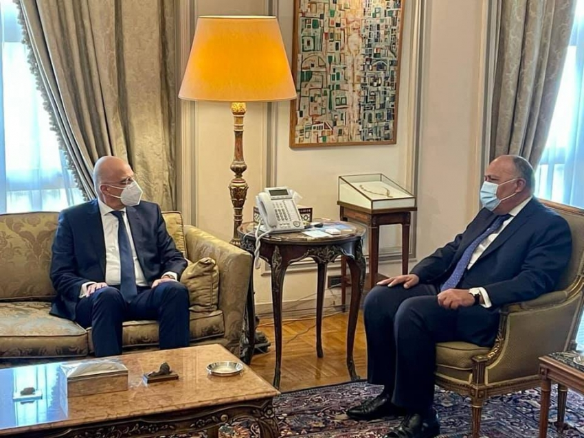 وزير الخارجية سامح شكري يستقبل نظيره اليوناني لبحث التعاون الثنائي والقضايا الإقليمية ذات الاهتمام المُشترك.