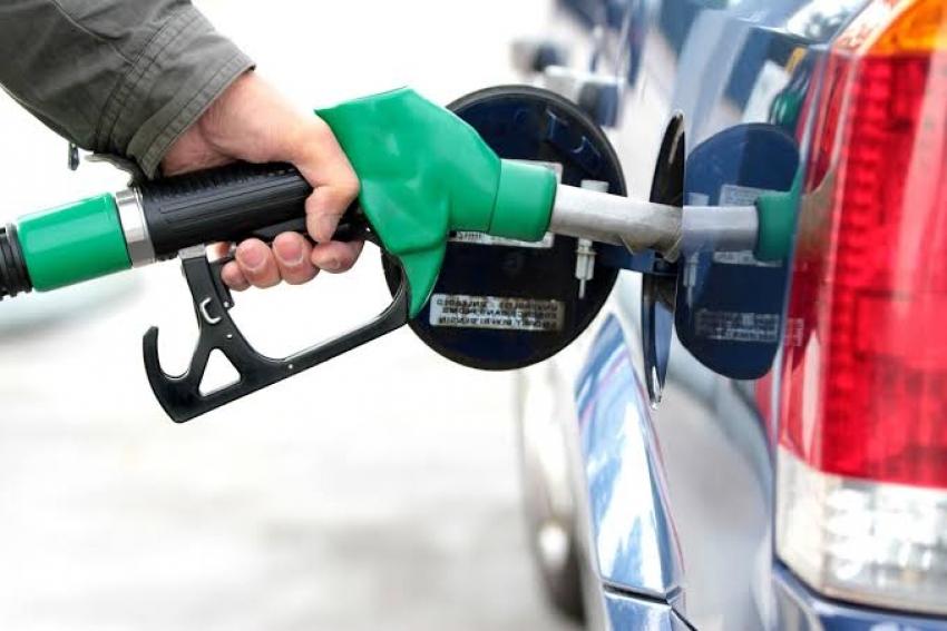 البترول تحسم الجدل حول زيادة أسعار البنزين والسولار
