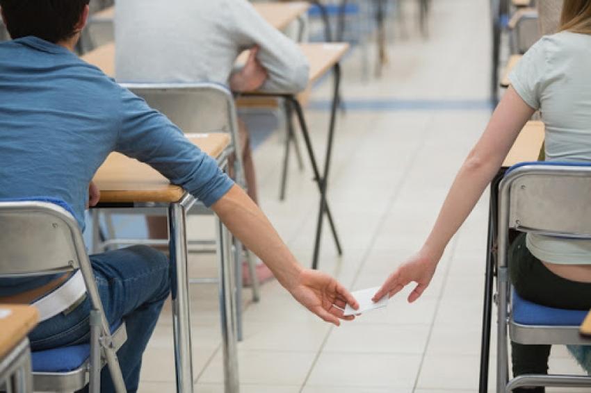 التعليم: الفيزياء والتاريخ يسجلان أعلى معدلات للغش في امتحانات الثانوية العامة