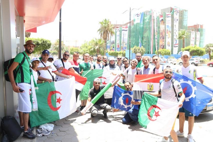 السويس ترحب بالاشقاء الجزائريين