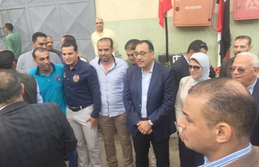 """""""رئيس الوزراء"""" يوجه بسرعة تسكين المستحقين بالمشروعات الخاصة بتطوير المناطق العشوائية بجنوب بورسعيد"""