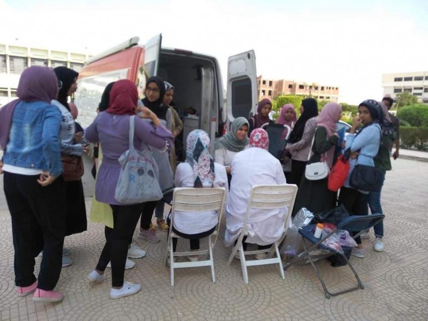 المركز الإقليمي لخدمات نقل الدم ينظم اول حمله للتبرع بالدم بالتعاون مع جامعه السويس