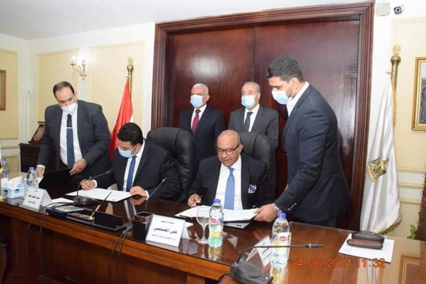بروتوكول تعاون بين وزارة التموين ومحافظة السويس لإنشاء منطقة تجارية واخري لوجستية تتضمن سلاسل تجارية كبرى على مساحة 5 أفدنة