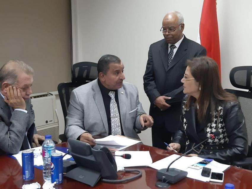 وزيرة التخطيط توافق على ادارج مكتبة السويس فى الخطة الجديدة