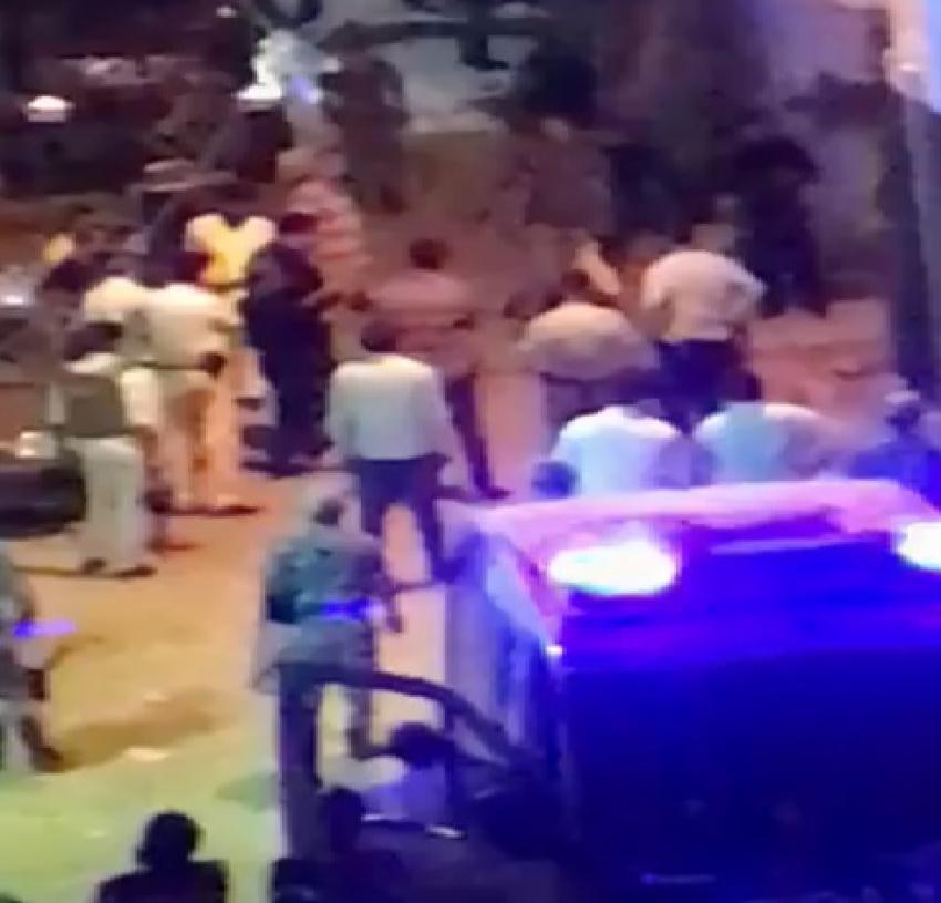 بالفيديو : أمن السويس يلقي القبض على المتهم بقتل بائع الانصاري و يقوم بتمثيل الجريمة