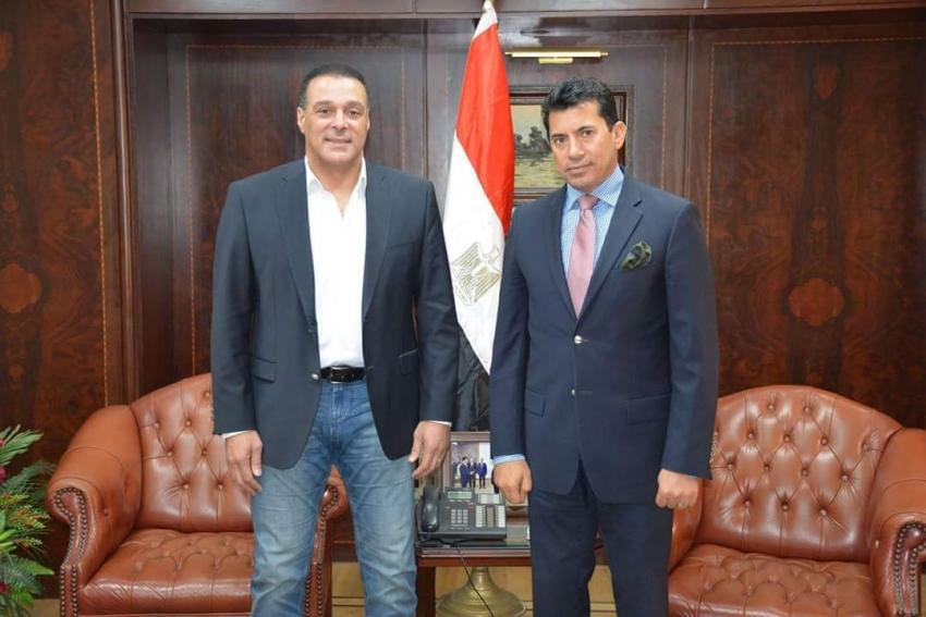 وزير الشباب والرياضة يبحث مع رئيس لجنة الحكام تطوير منظومة التحكيم