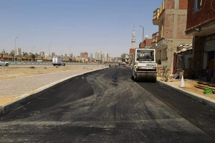 متابعة اعمال التطوير والنظافة والرصف بمحافظة السويس