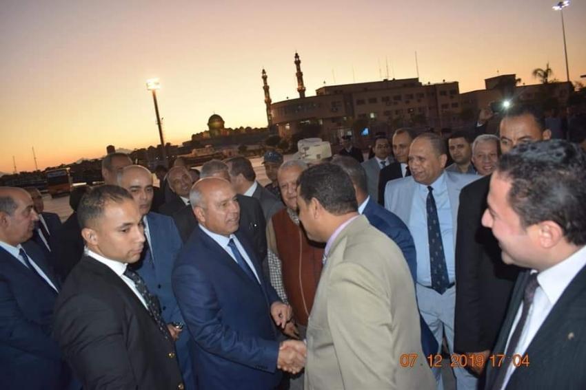 وزير النقل يفتتح الخط الملاحي شرم الشيخ _ الغردقة