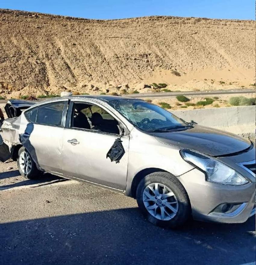 اصابة خمسة مواطنين في حادث انقلاب سياره ملاكي بطريق السخنه