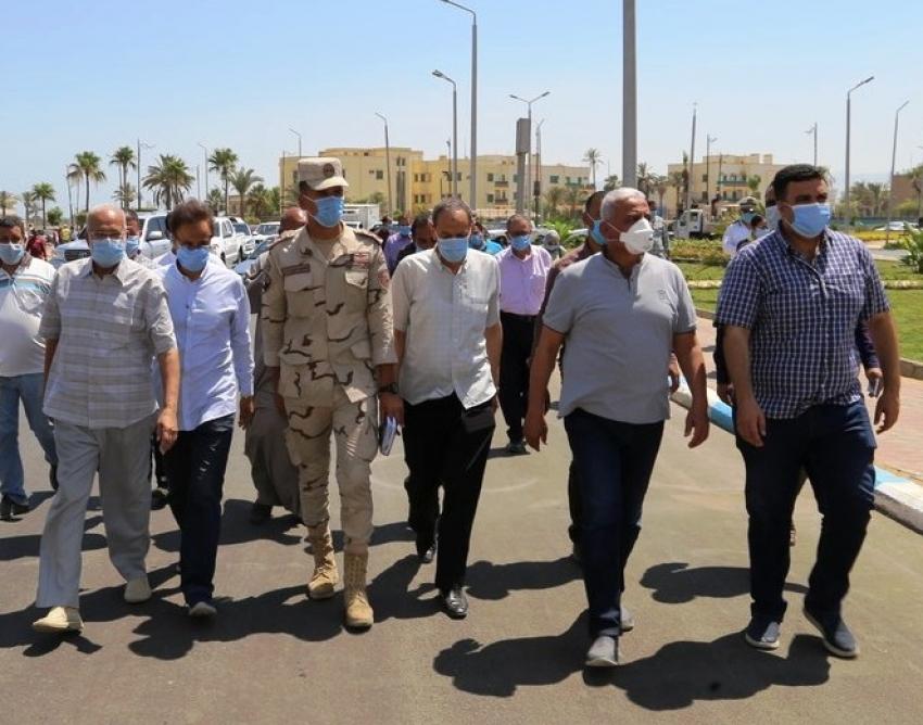 محافظ السويس يتابع أعمال إنشاء ميدان مصر ومشروعات التطوير بالاحياء