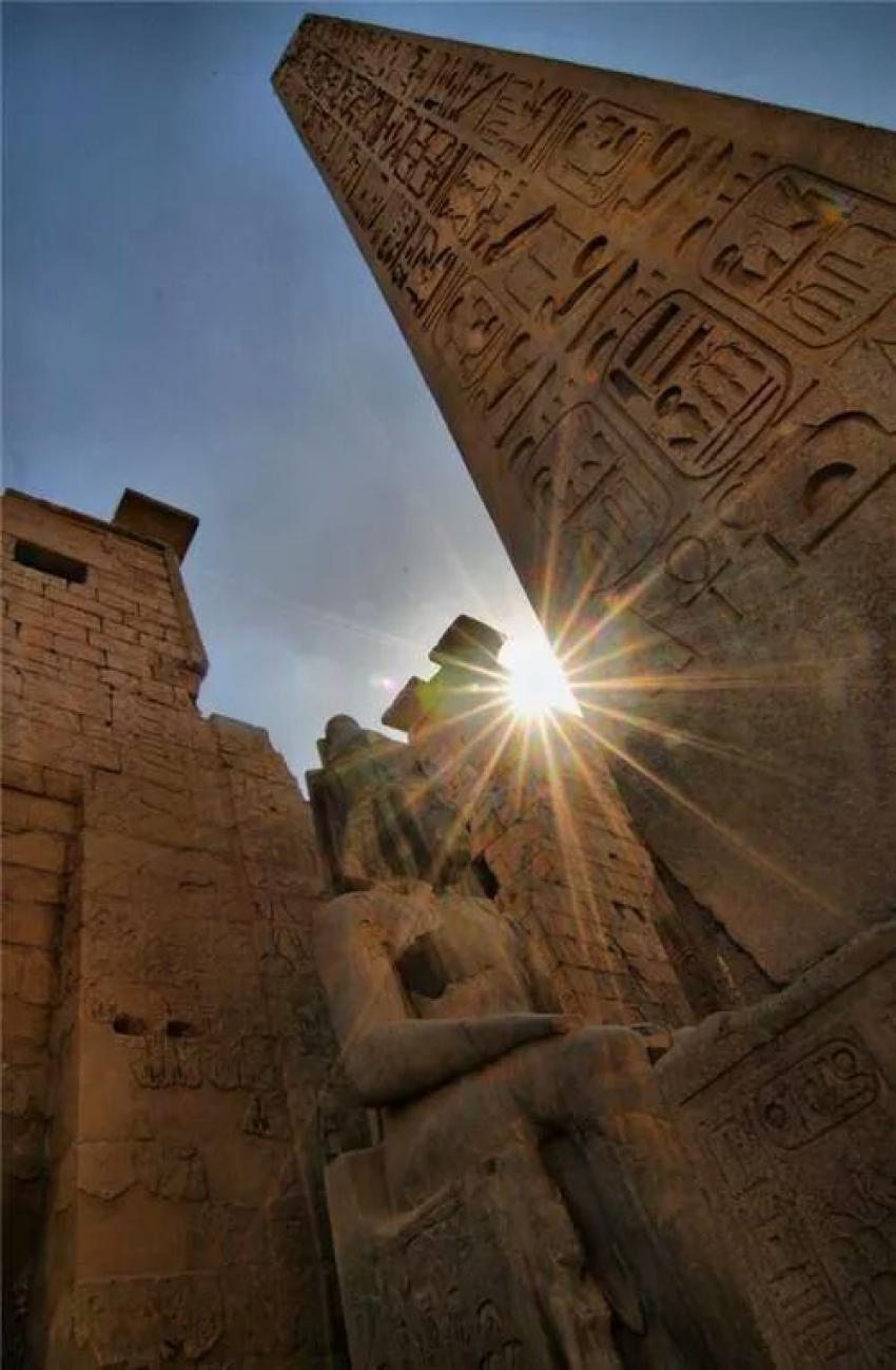 """عظمة الفراعنة """"معبد الأقصر """""""