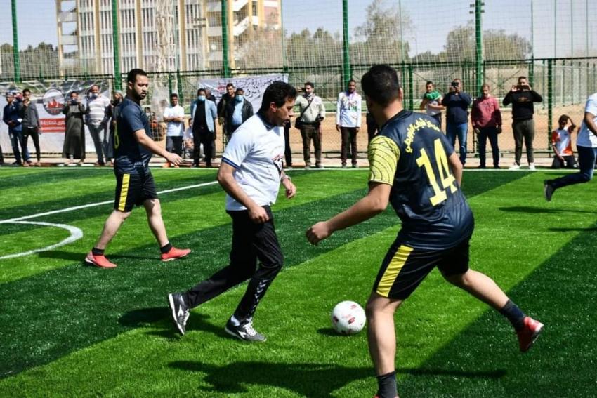 """وزير الشباب والرياضة يشهد نهائي دوري الاتحادات النوعية في كرة القدم و يتقدم مسيرة رياضية بالواحات البحرية تحت شعار """" مصر السلام """" ."""