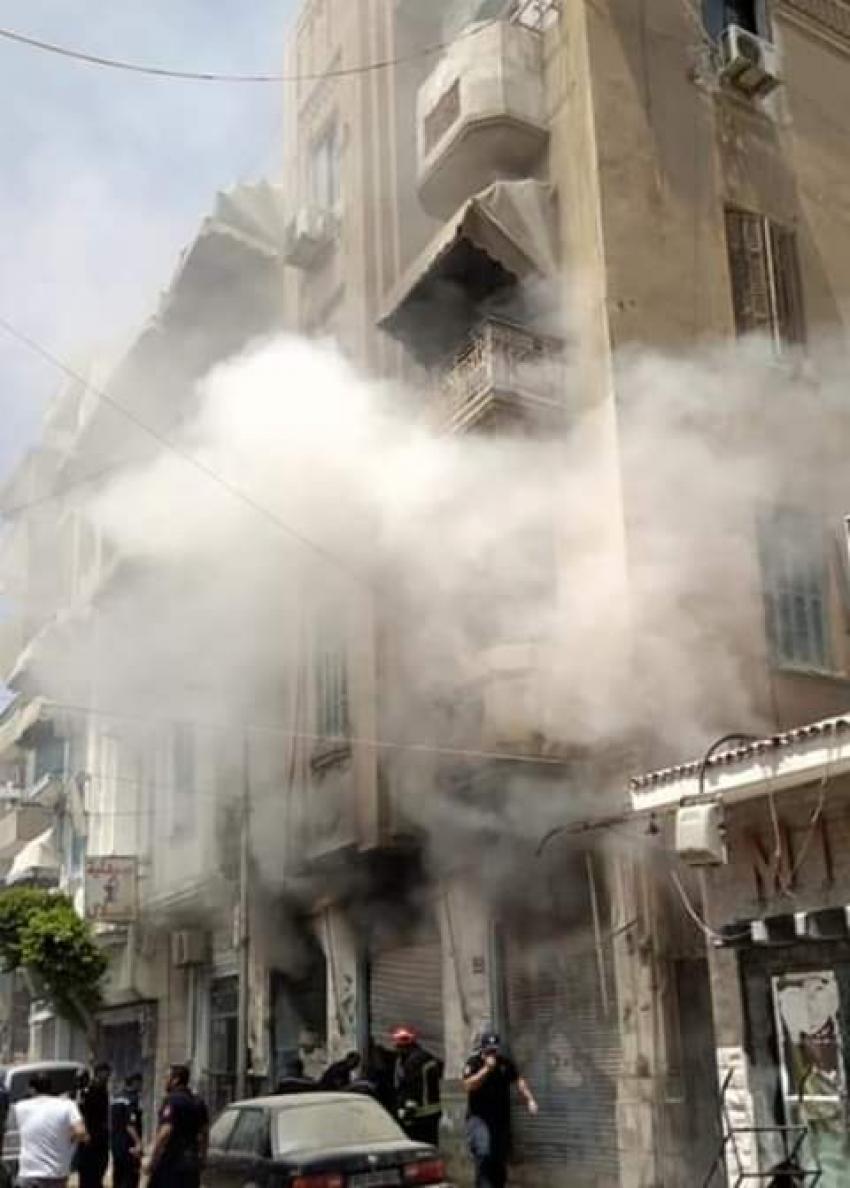 صور....حريق ضخم بأحد المحلات بشارع عبد السلام عارف بالسويس