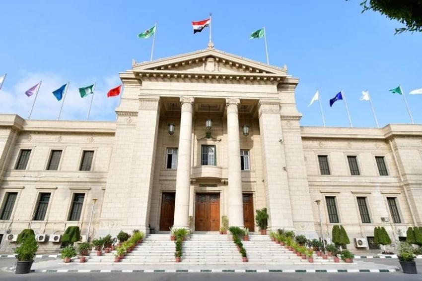 جامعة القاهرة : تعيين فريقين جديدين والتحقيق في إصابة 17 من الطاقم الطبي بالمعهد القومي للاورام بفيروس كورونا