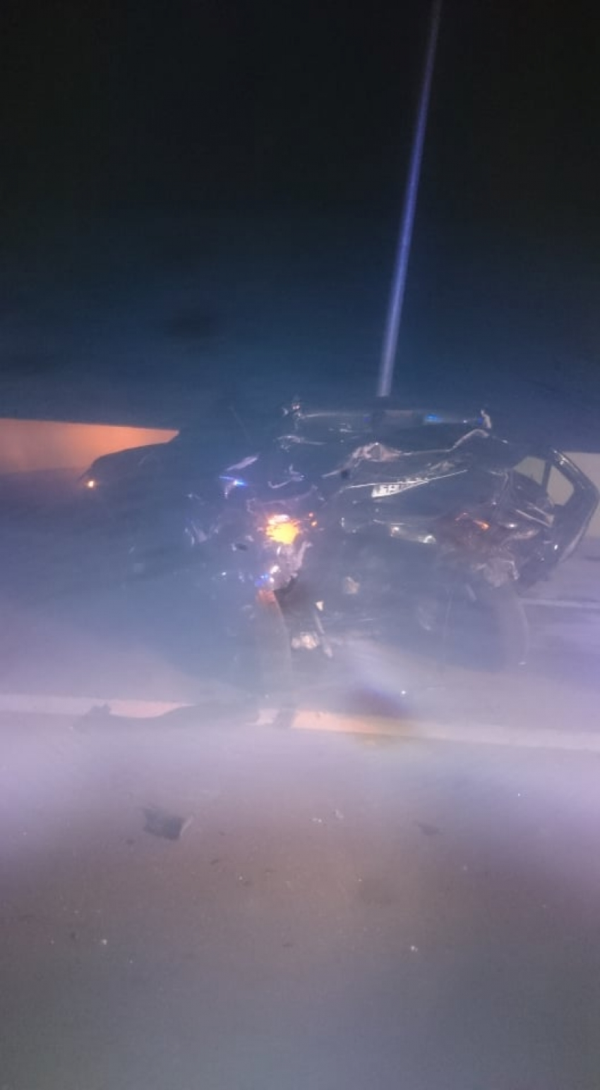 صورة اليوم : مصرع شخص واصابة اثنين اخرين في حادث تصادم سيارتين ملاكي بطريق السخنة