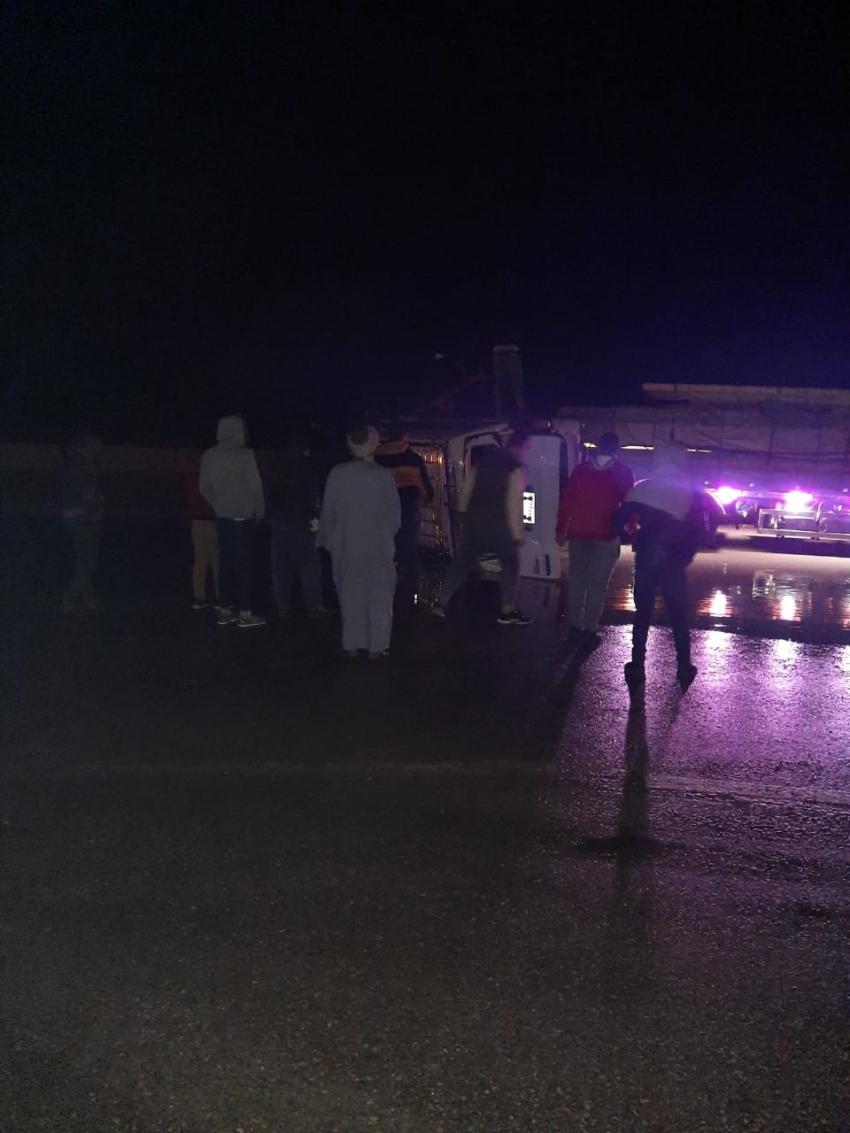 بالاسماء: اصابة 5 أشخاص فى حادث انقلاب ميكروباص بطريق السويس القاهرة