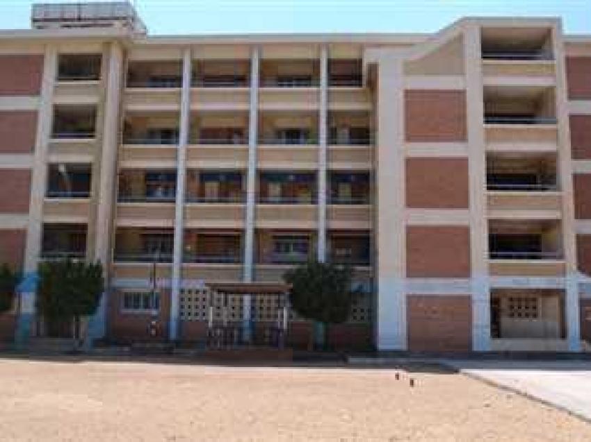 حفلات جنسية في مدرسة شبرا والتحقيقات الحارس فتح الفصول لممارسة الدعارة