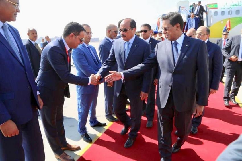 الرئيس الموريتاني  يصل الى مصر لمؤازرة فريقه في امم افريقيا باستاد السويس