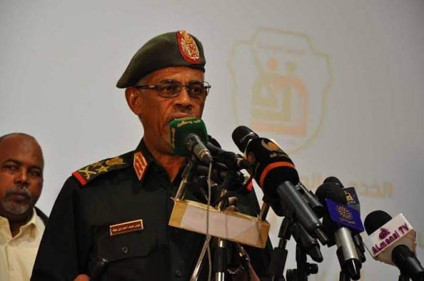 الجيش السوداني يعلن اعتقال البشير وتولي السلطة