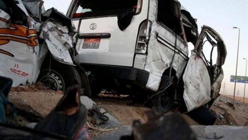 مصرع مواطن و إصابة 8 ركاب فى حادث تصادم بالسويس