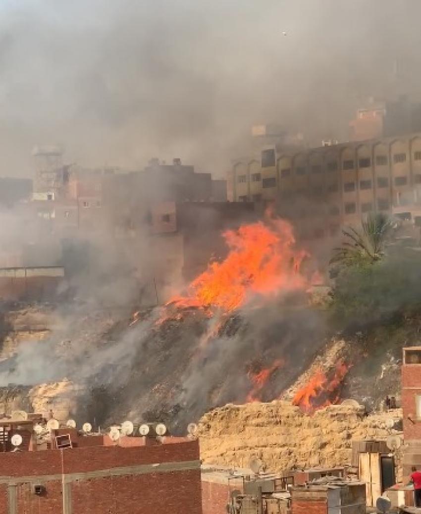"""السيطرة على حريق هائل بـ""""اسطبل عنتر"""" فى مصر القديمة"""