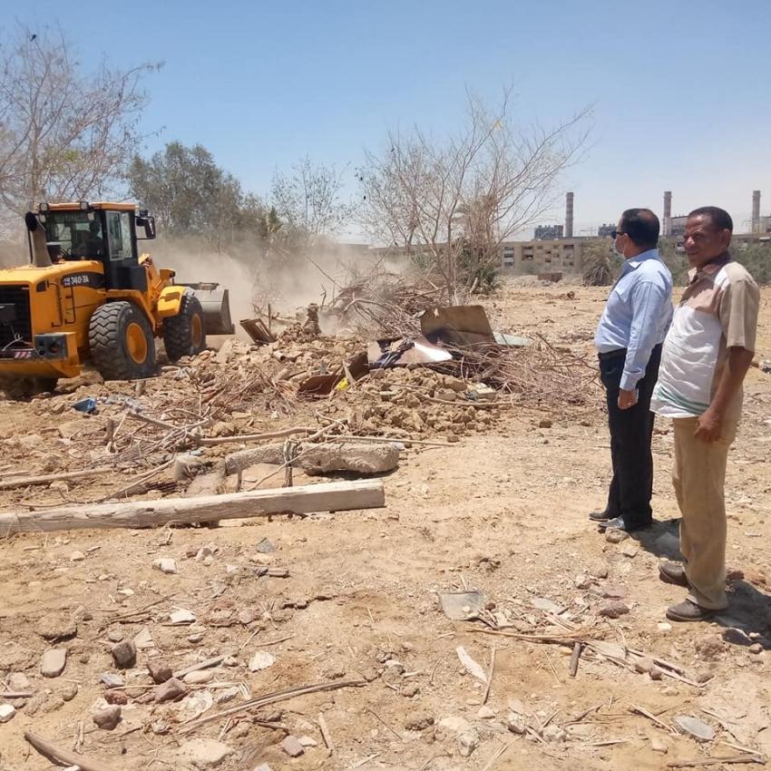حملة ازالة للتعديات والاشغالات واسترداد الاراض املاك الدولة بنطاق حي عتاقة