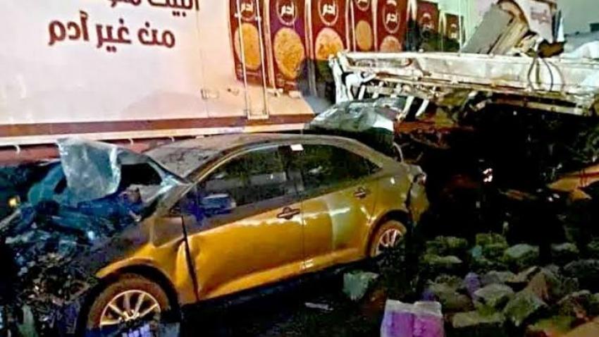 """ضبط سائق """"التريلا"""" في حادث تصادم 16 سيارة على الطريق الإقليمي"""