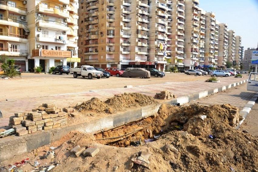 بدء أعمال الحفر لتغيير الكابل الكهربائي الرئيسي بشارع صلاح نسيم بالسويس