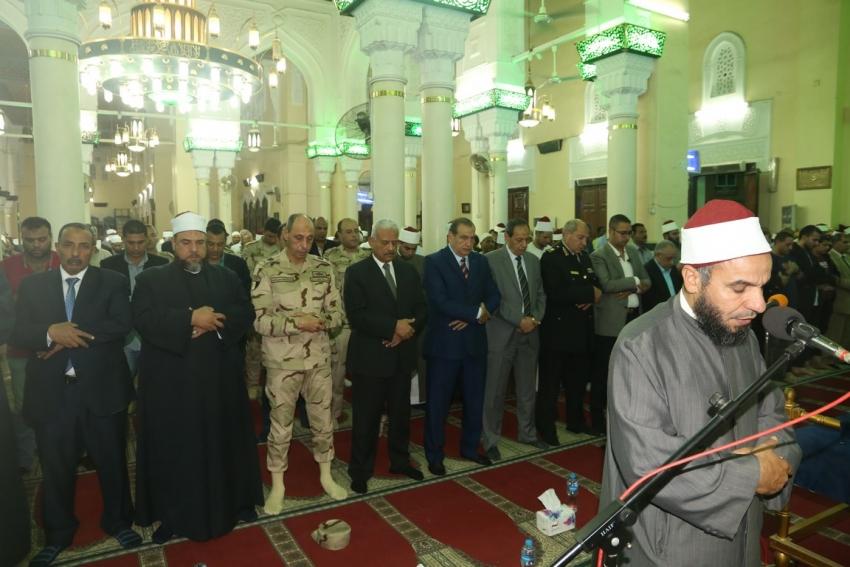 السويس تحتفل بذكرى المولد النبوي الشريف بمسجد سيدي الغريب