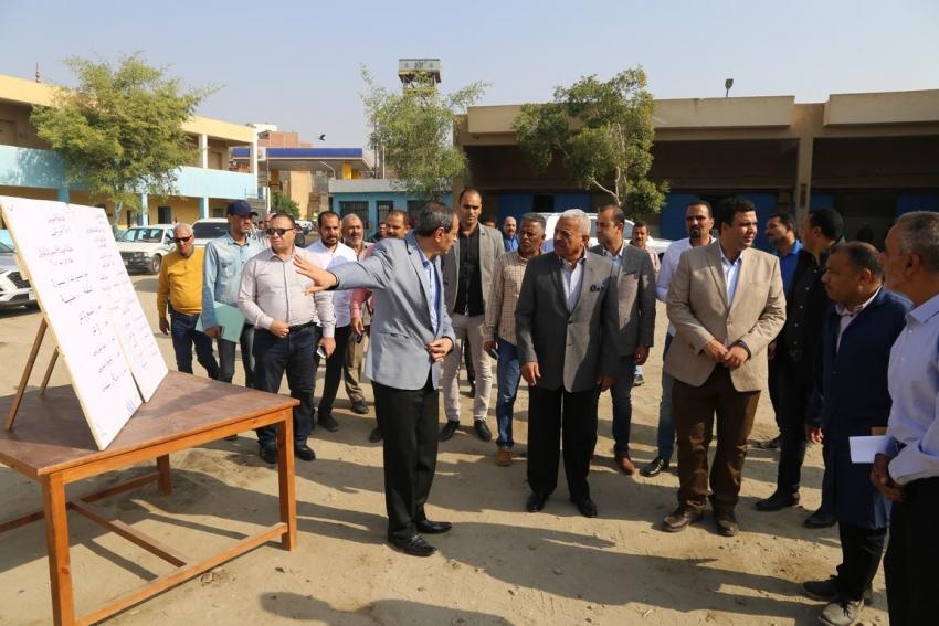 صقر يتفقد ادارة ورش محافظة السويس